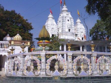 Shri Ganesh Mandir Khajrana Indore